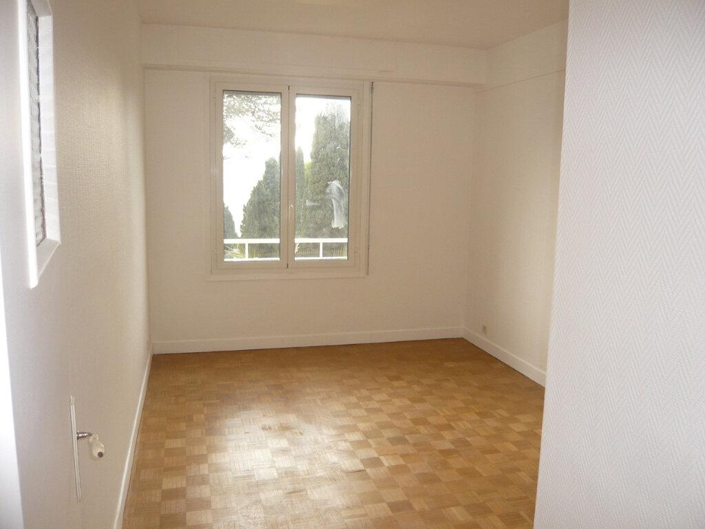 Appartement à louer 4 85.07m2 à Nice vignette-6