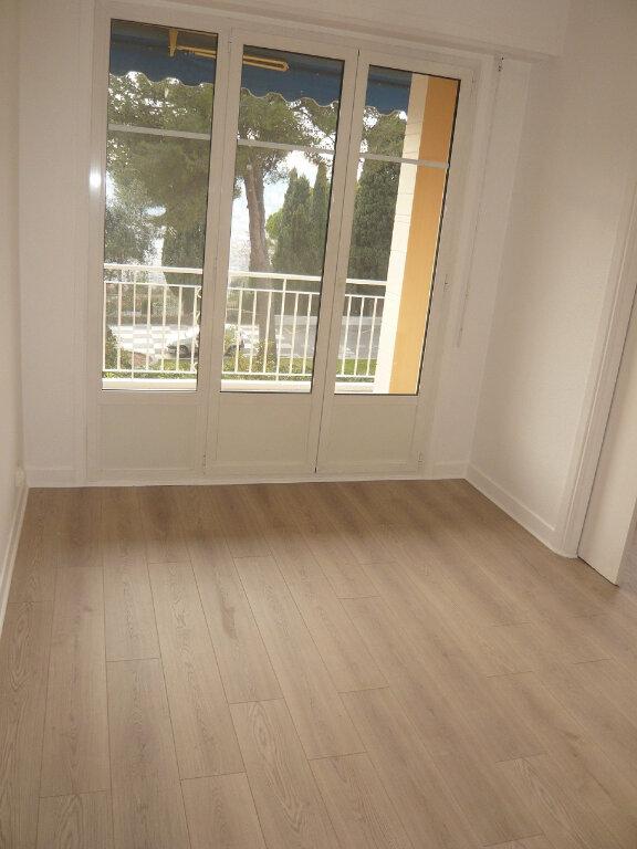 Appartement à louer 4 85.07m2 à Nice vignette-8