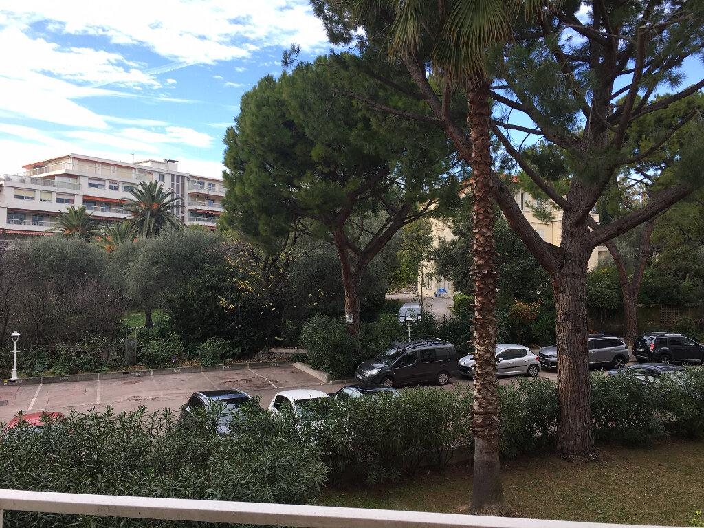 Appartement à louer 4 85.07m2 à Nice vignette-11