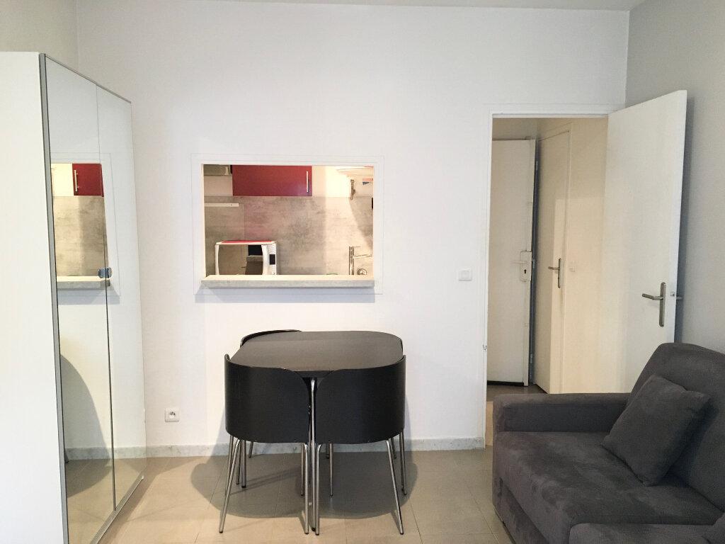 Appartement à louer 1 17.28m2 à Nice vignette-2