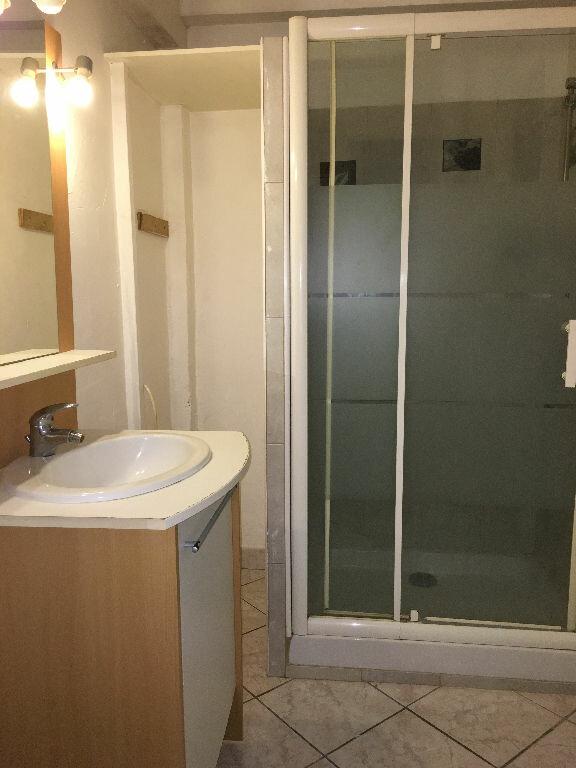 Appartement à louer 1 22m2 à Antibes vignette-4