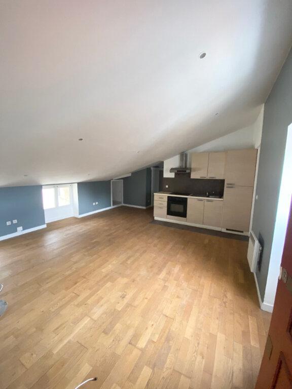 Appartement à louer 2 30.05m2 à Nice vignette-1