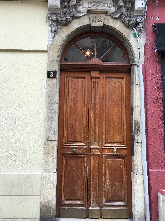 Appartement à louer 2 30.05m2 à Nice vignette-5