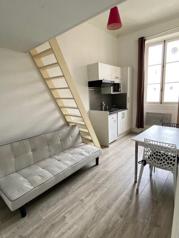 Appartement à louer 1 12.73m2 à Nice vignette-1