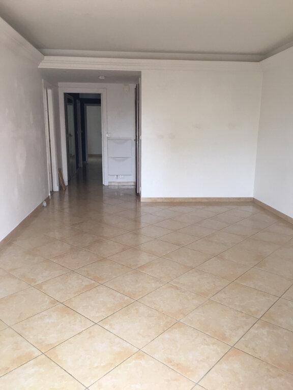 Appartement à louer 4 79m2 à Villefranche-sur-Mer vignette-2