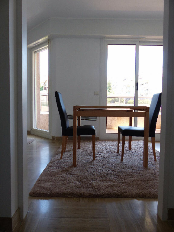 Appartement à louer 1 25.84m2 à Nice vignette-3