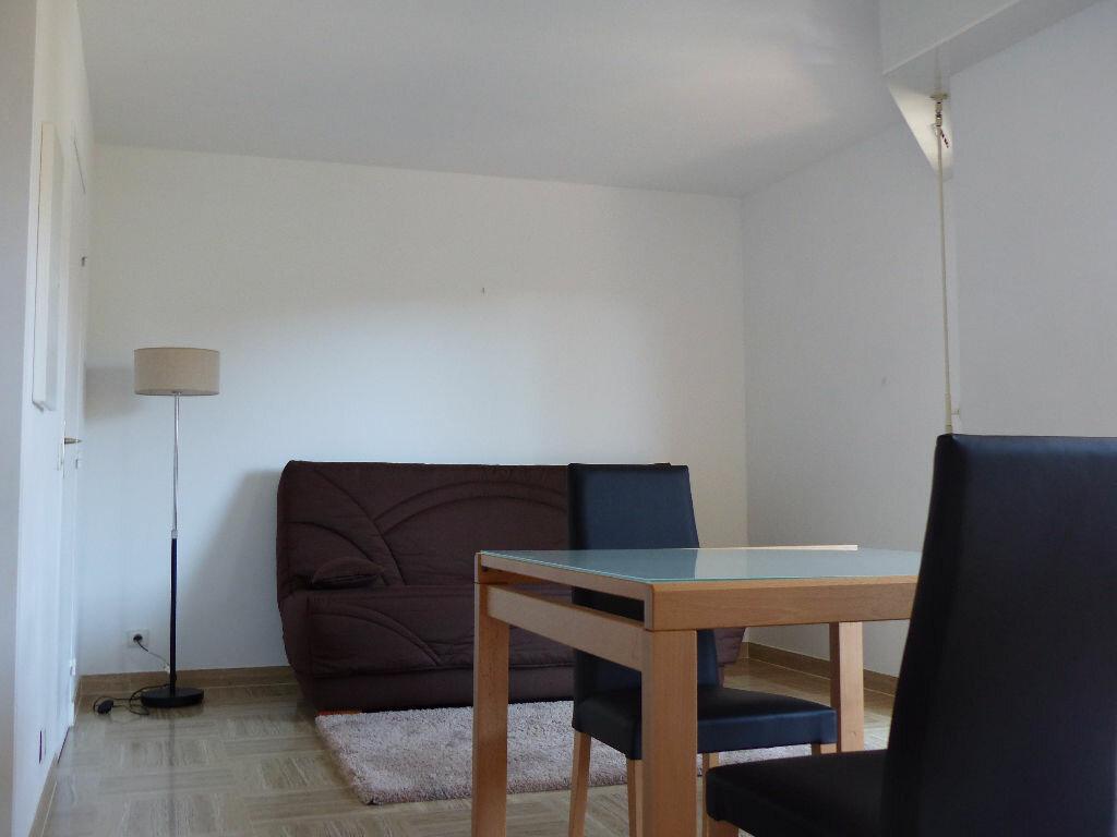 Appartement à louer 1 25.84m2 à Nice vignette-6