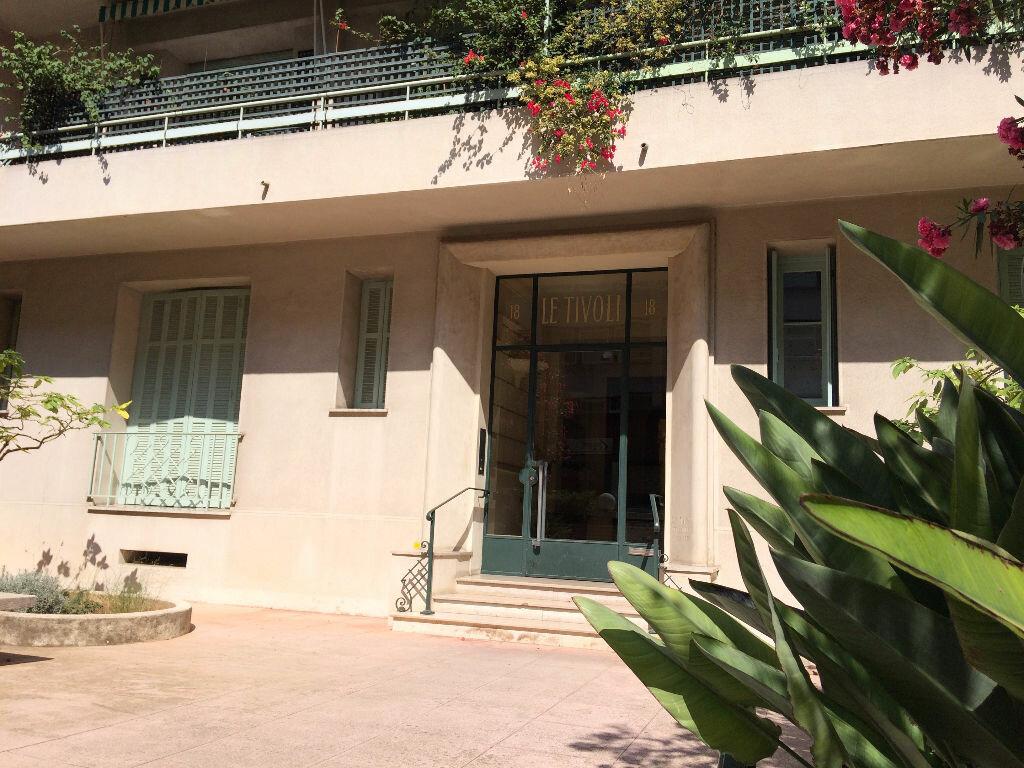 Appartement à louer 1 33.4m2 à Nice vignette-1