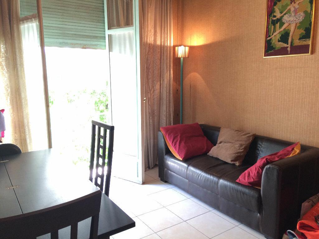 Appartement à louer 1 33.4m2 à Nice vignette-3