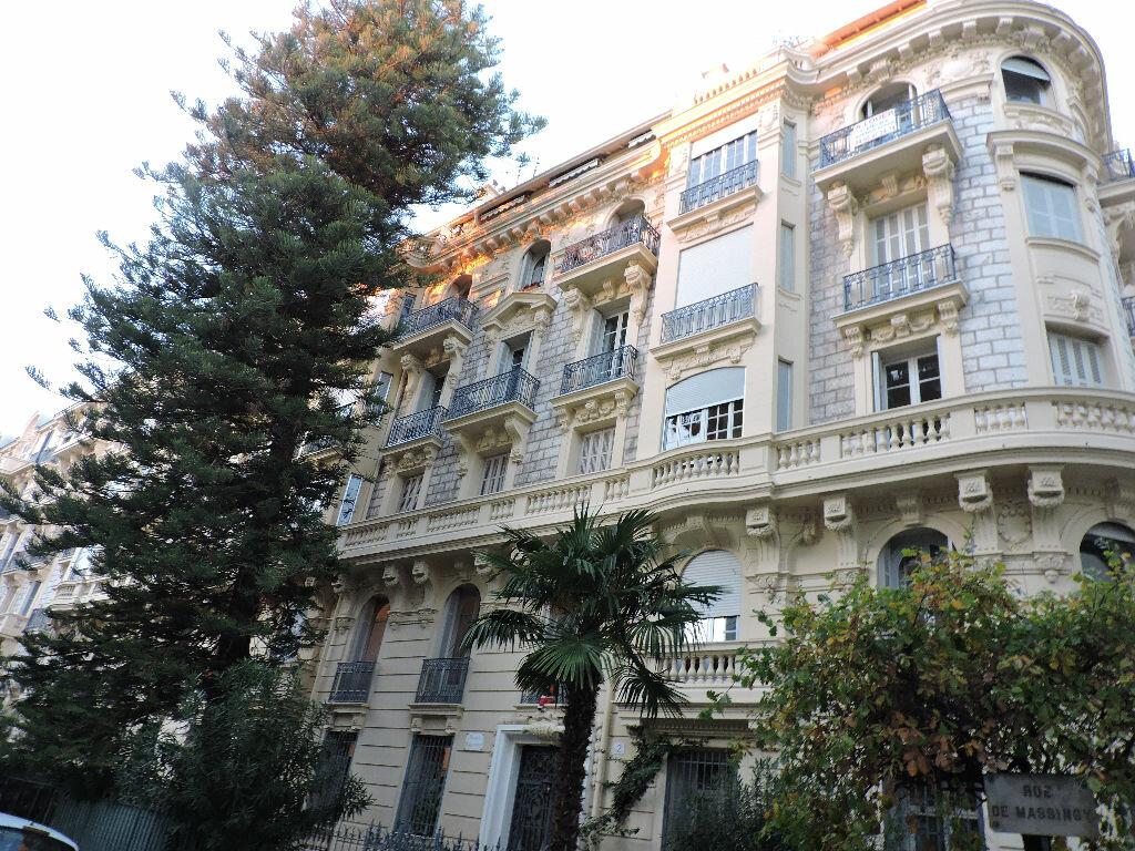 Appartement à louer 3 61.09m2 à Nice vignette-1