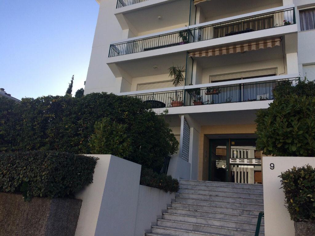 Appartement à louer 3 60.57m2 à Nice vignette-7
