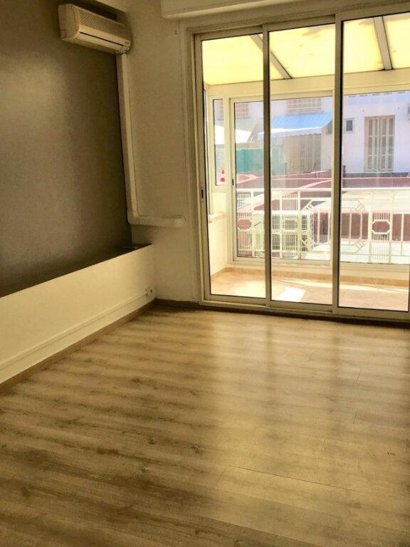 Appartement à louer 1 25m2 à Nice vignette-1