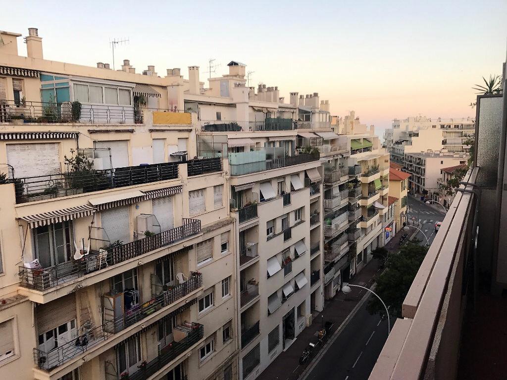 Appartement à louer 2 28.25m2 à Nice vignette-1