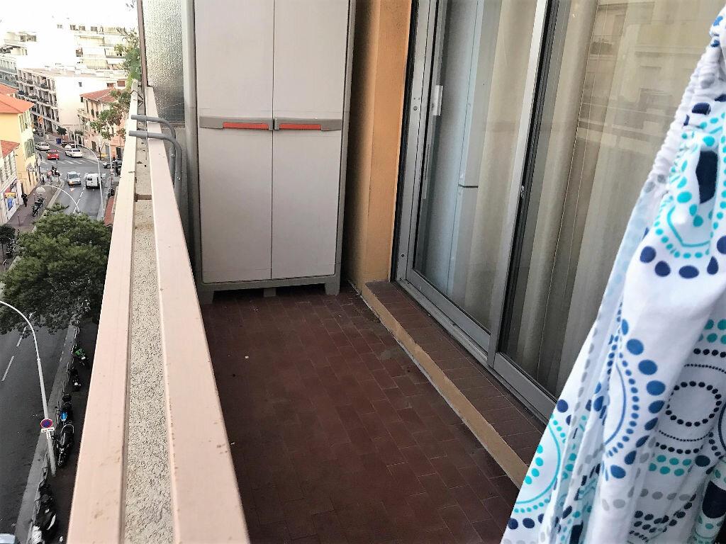 Appartement à louer 2 28.25m2 à Nice vignette-6