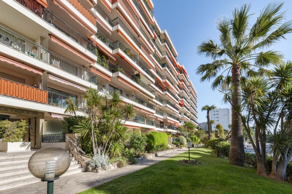 Appartement à louer 3 72.35m2 à Nice vignette-1