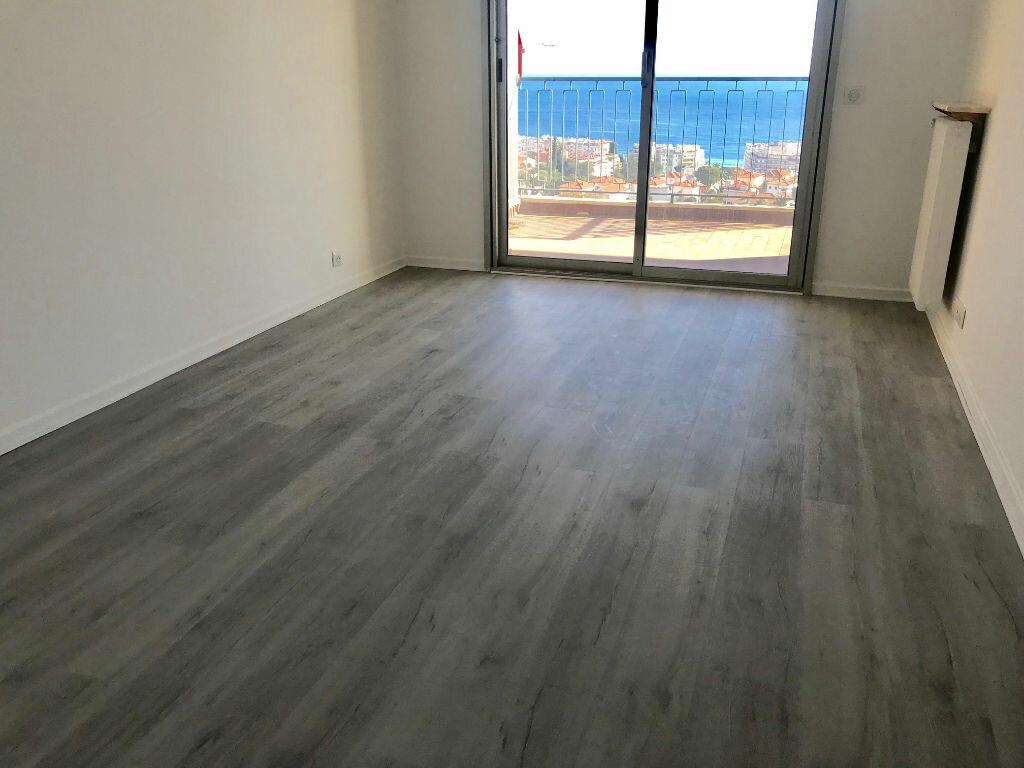 Appartement à louer 3 72.35m2 à Nice vignette-6