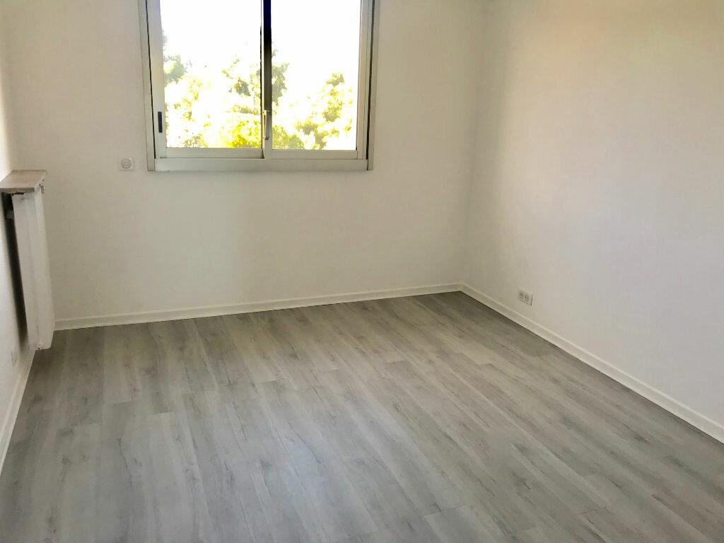 Appartement à louer 3 72.35m2 à Nice vignette-8