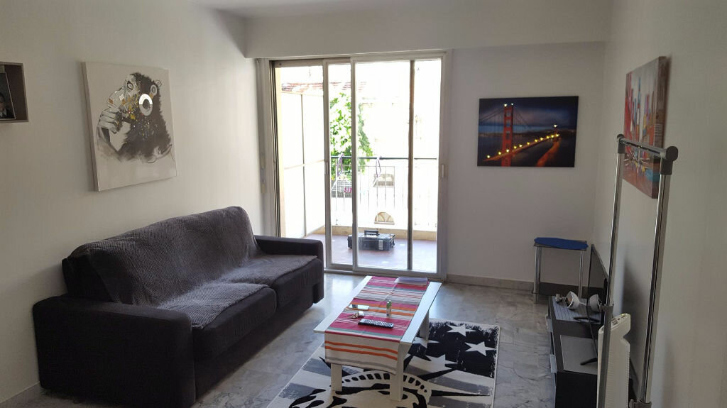Appartement à louer 1 23.66m2 à Nice vignette-1