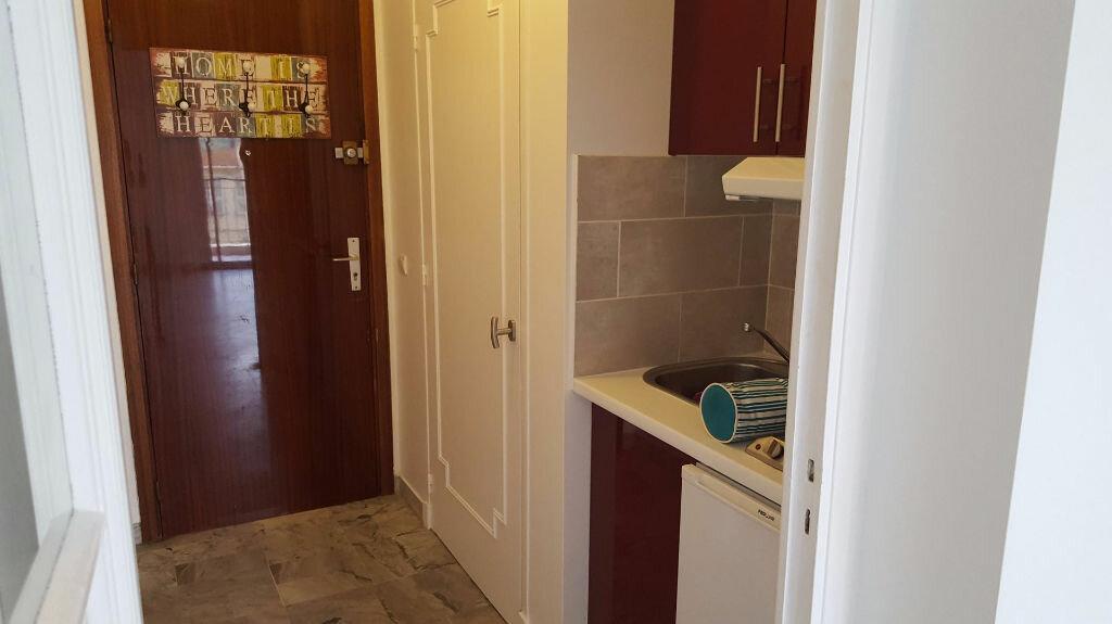 Appartement à louer 1 23.66m2 à Nice vignette-3