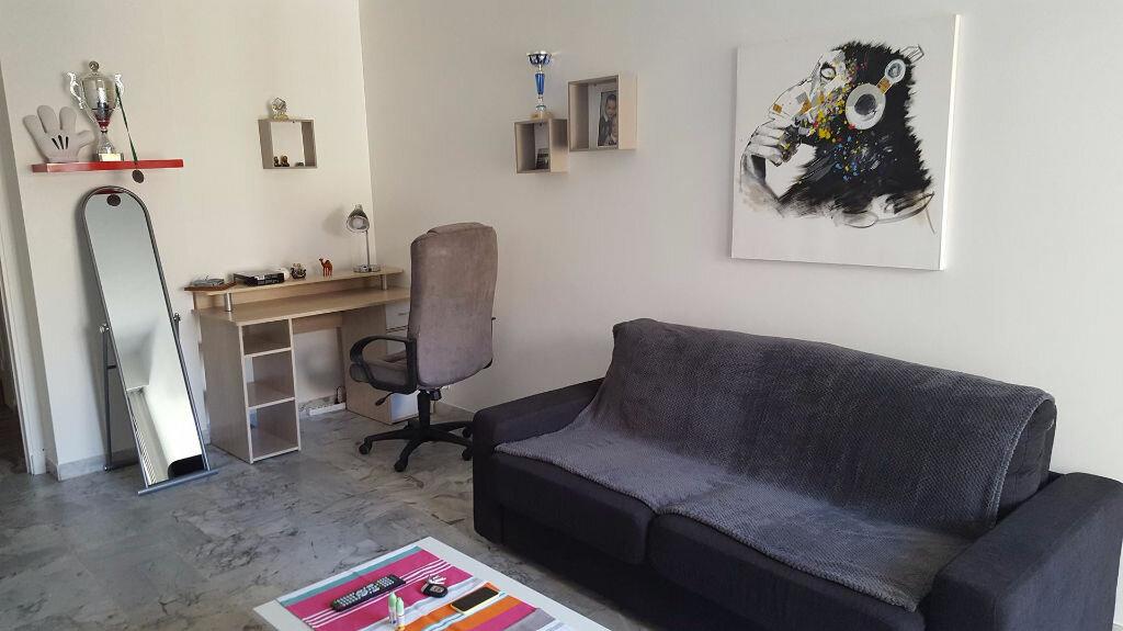 Appartement à louer 1 23.66m2 à Nice vignette-4