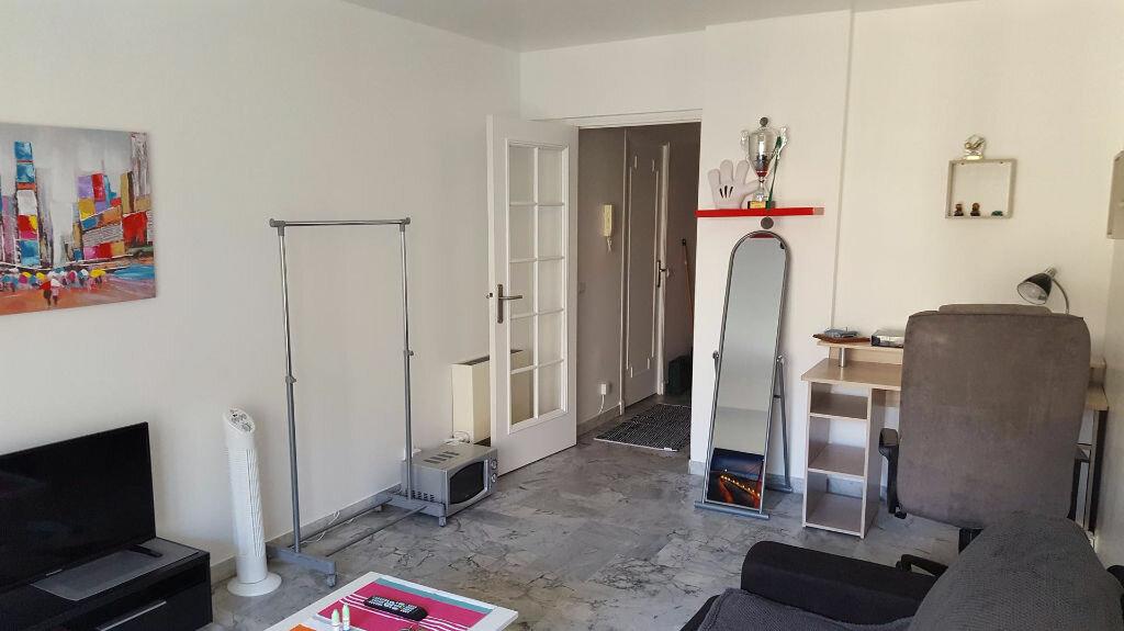 Appartement à louer 1 23.66m2 à Nice vignette-5