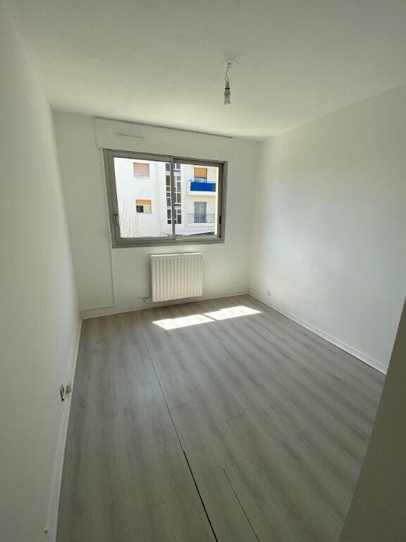 Appartement à louer 3 54.89m2 à Nice vignette-5