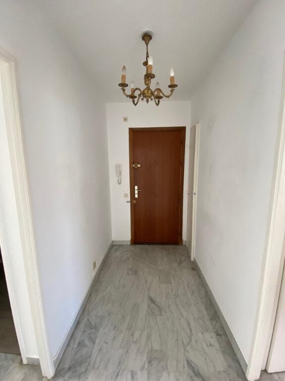 Appartement à louer 3 54.89m2 à Nice vignette-8