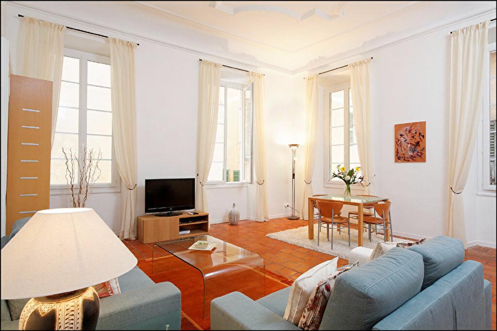 Appartement à louer 3 83.07m2 à Nice vignette-1