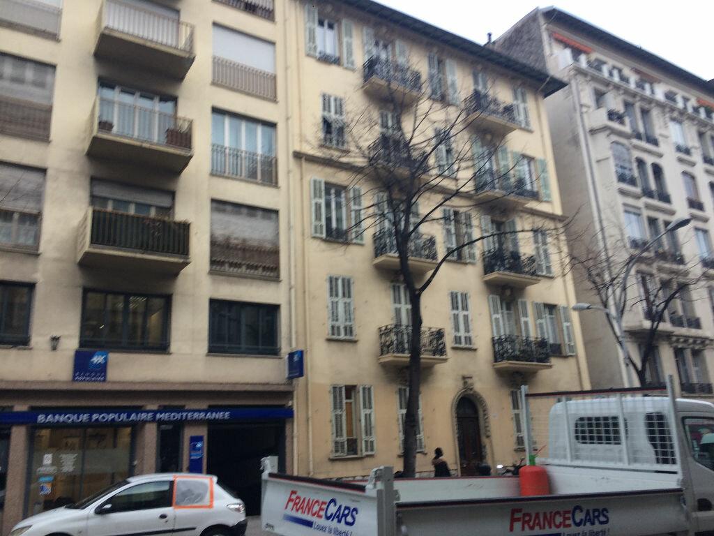 Appartement à louer 2 40.72m2 à Nice vignette-1
