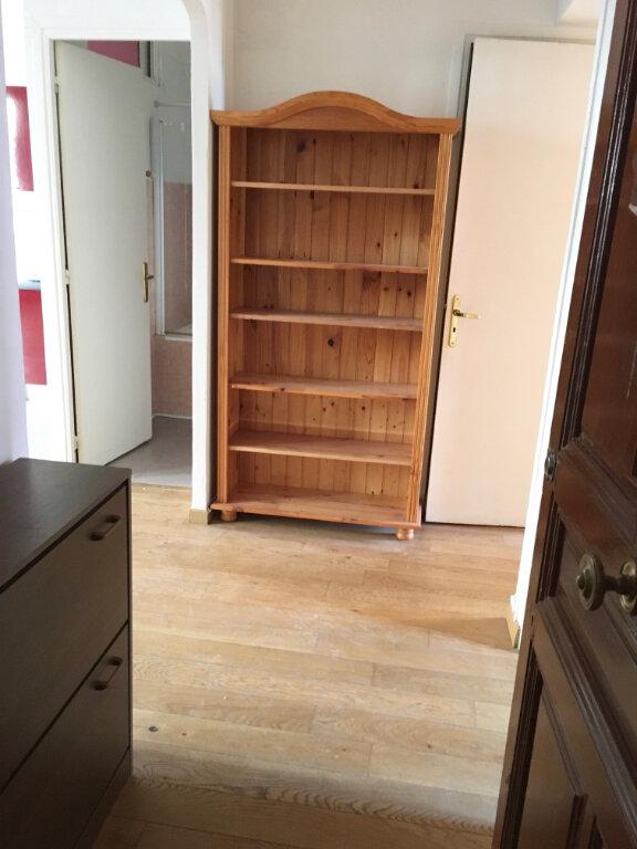 Appartement à louer 3 55.16m2 à Nice vignette-8
