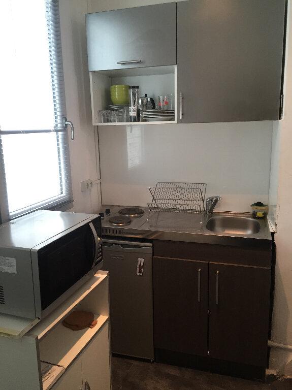Appartement à louer 1 18.74m2 à Nice vignette-4