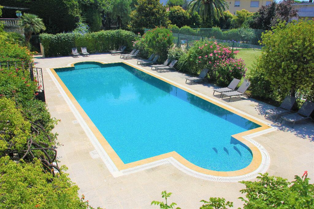 Appartement à vendre 4 140.7m2 à Nice vignette-7