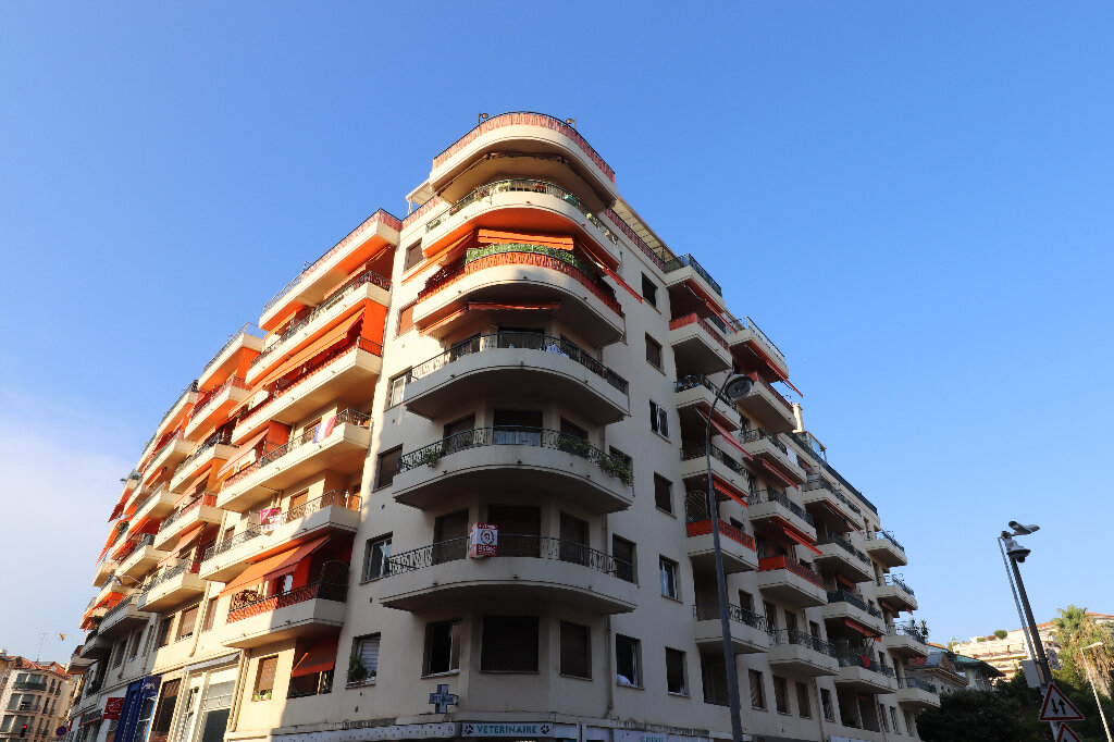Appartement à vendre 3 60.53m2 à Nice vignette-1