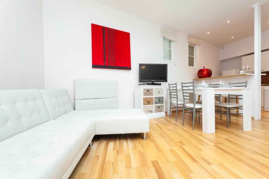 Appartement à louer 3 62.58m2 à Nice vignette-2
