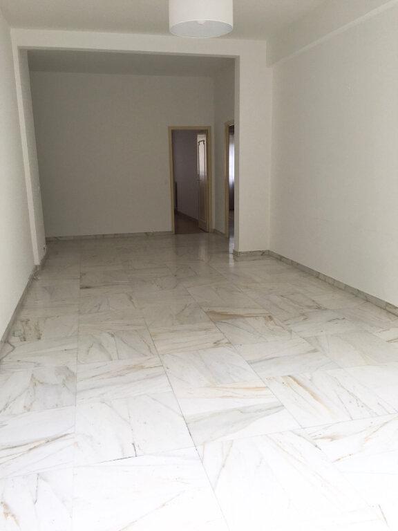 Appartement à louer 4 95.6m2 à Nice vignette-3
