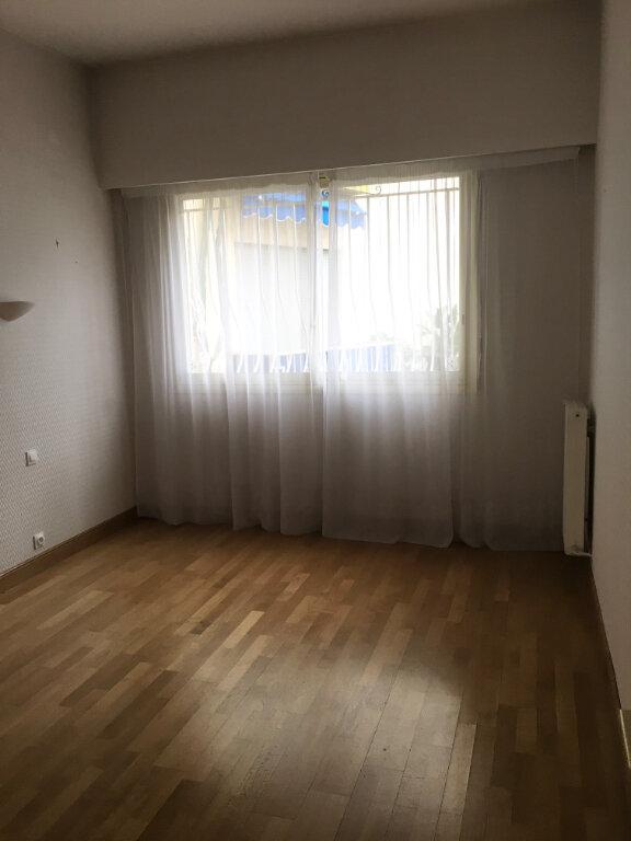 Appartement à louer 4 95.6m2 à Nice vignette-6