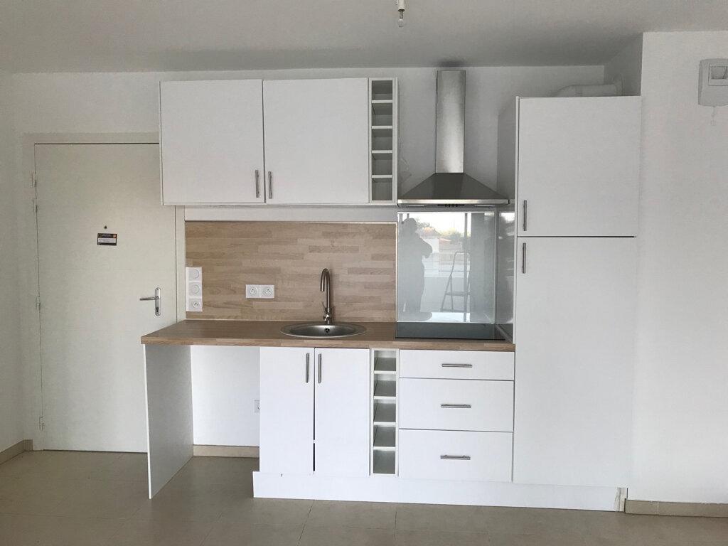 Appartement à louer 2 44.8m2 à Nice vignette-5