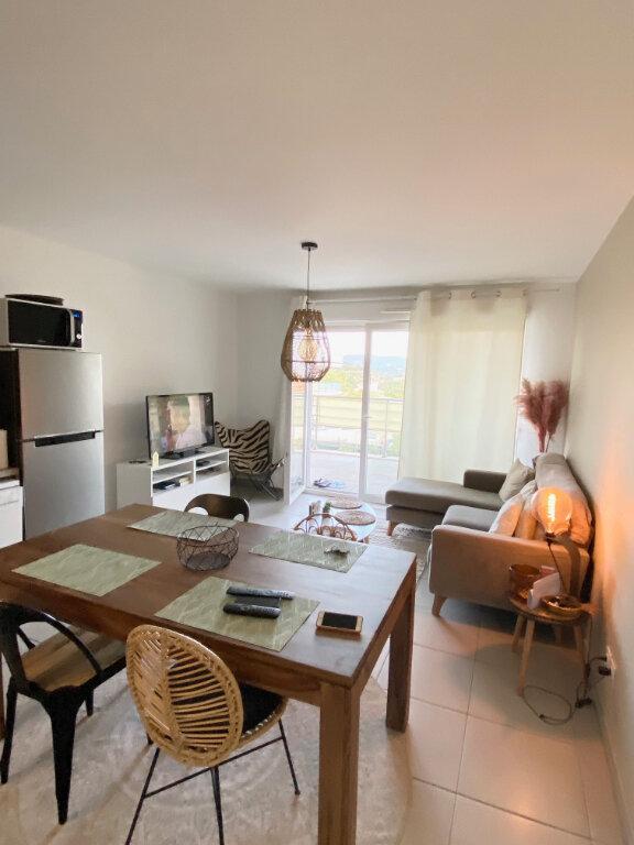 Appartement à louer 3 56.75m2 à Nice vignette-4