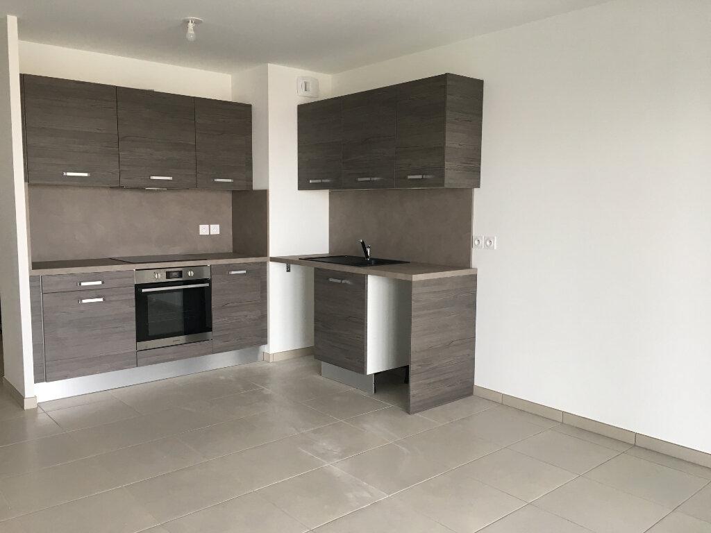 Appartement à louer 3 56.75m2 à Nice vignette-5