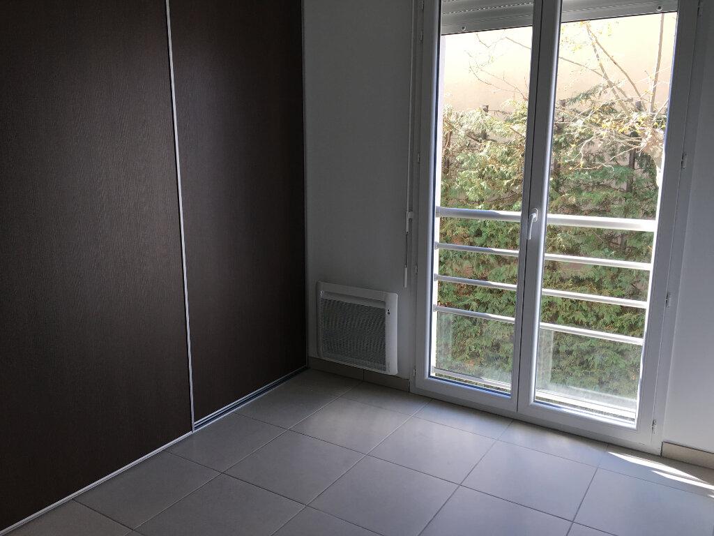 Appartement à louer 3 56.75m2 à Nice vignette-7