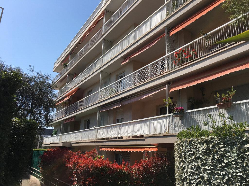 Appartement à louer 3 69.49m2 à Nice vignette-1