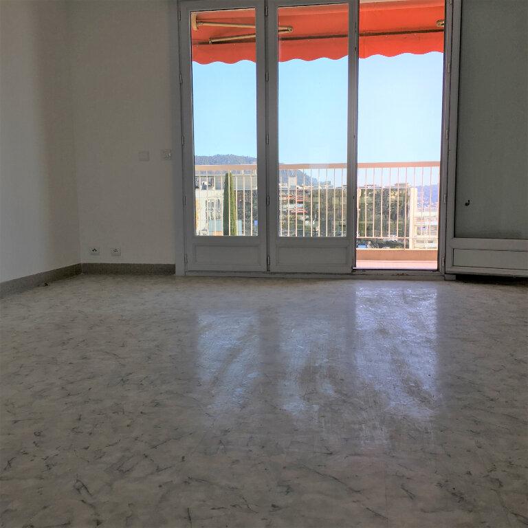 Appartement à louer 3 69.49m2 à Nice vignette-5