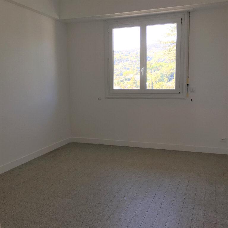 Appartement à louer 3 69.49m2 à Nice vignette-7