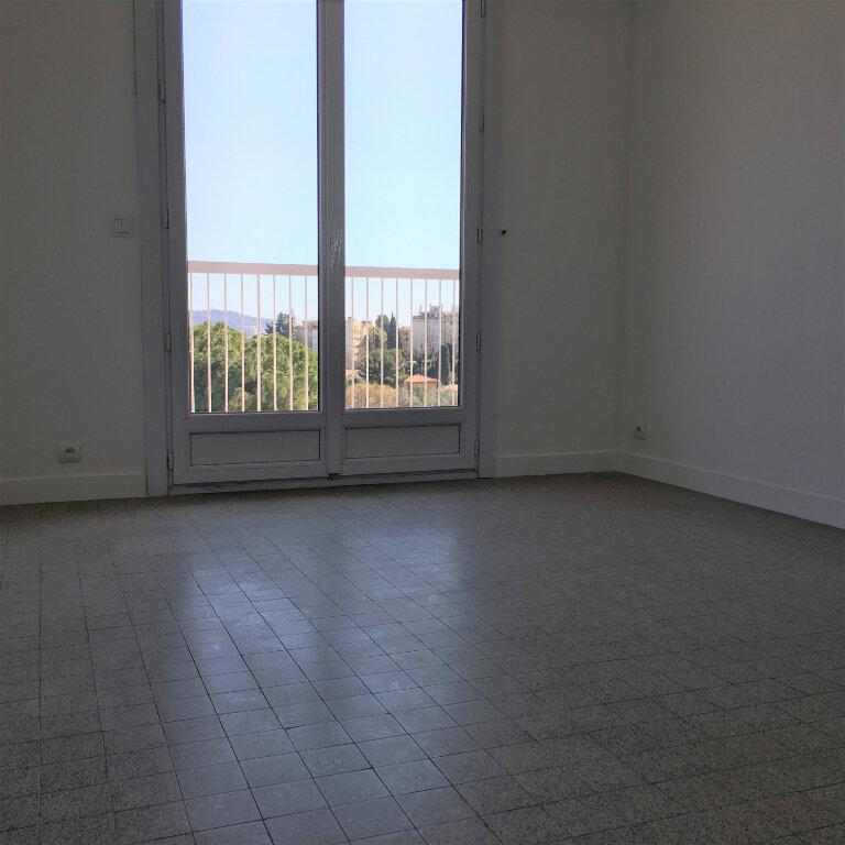 Appartement à louer 3 69.49m2 à Nice vignette-9