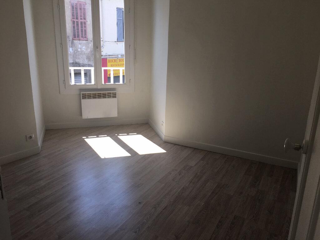 Appartement à louer 2 40m2 à Le Cannet vignette-3