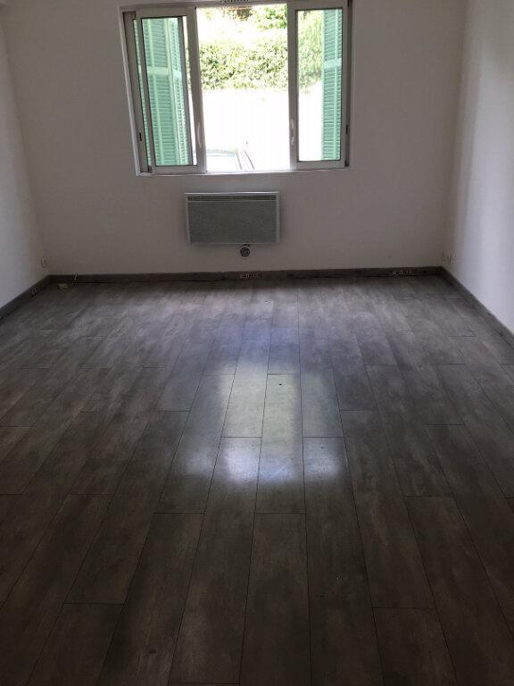 Appartement à louer 4 62.17m2 à L'Escarène vignette-2