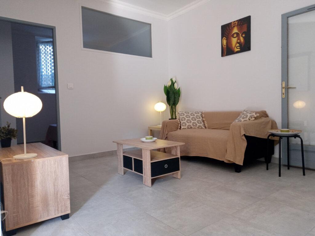 Appartement à louer 2 37.73m2 à Cannes vignette-2