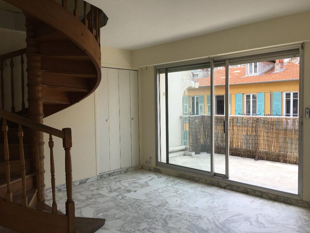 Appartement à louer 2 49m2 à Nice vignette-4
