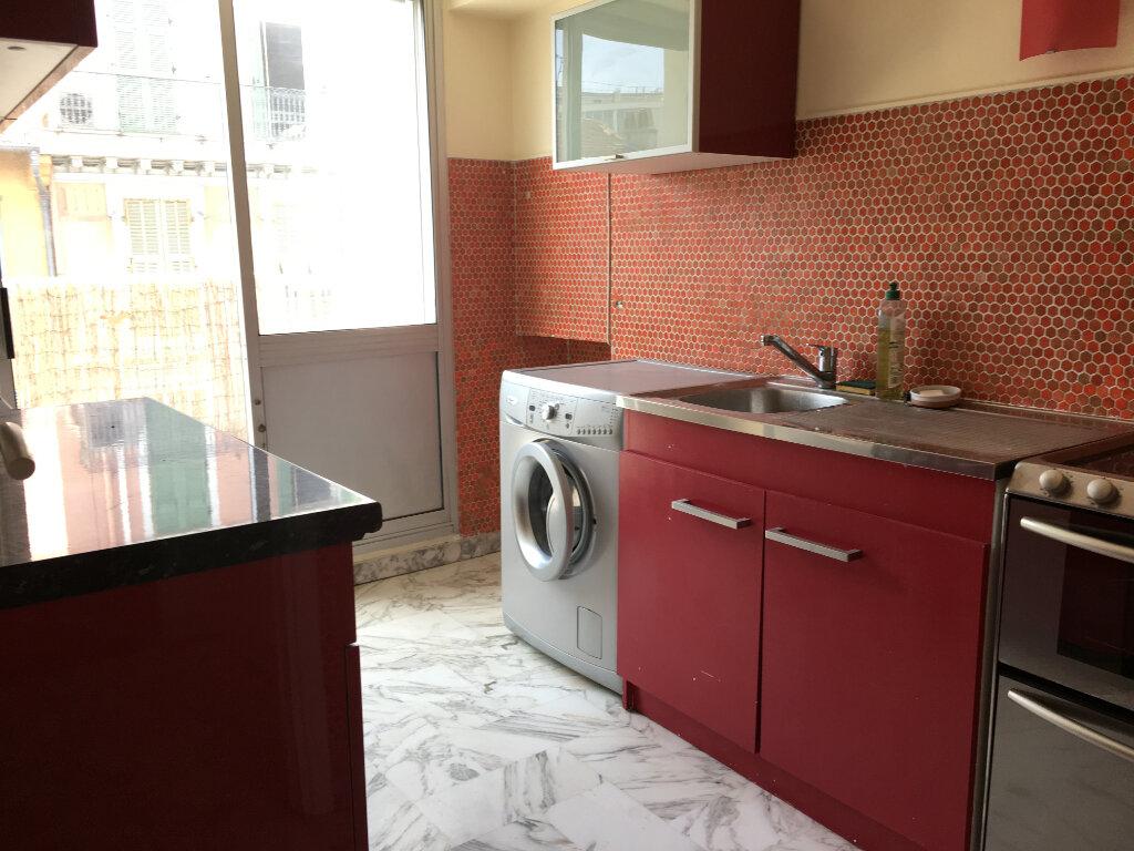 Appartement à louer 2 49m2 à Nice vignette-5