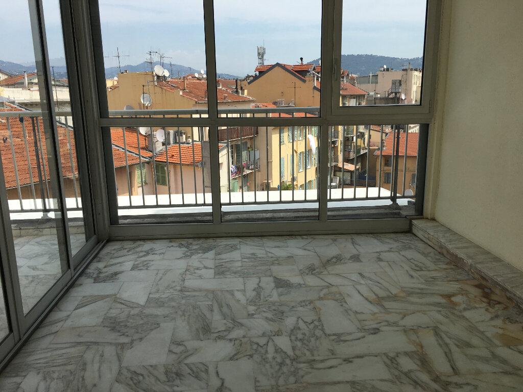 Appartement à louer 2 49m2 à Nice vignette-7